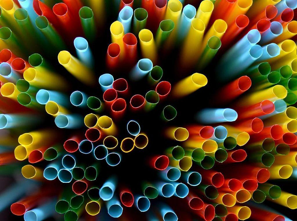 Minum Pakai Sedotan Plastik Bisa Bahayakan Kesehatan, Ini Sebabnya