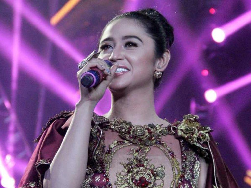 Sederet Penyanyi Dangdut yang Gemar Melakukan Olahraga
