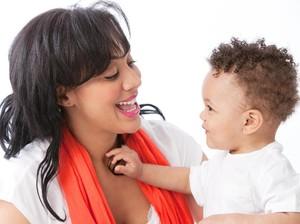 Cara Ini Bisa Diterapkan Agar Anak Menghargai Barang Pemberian