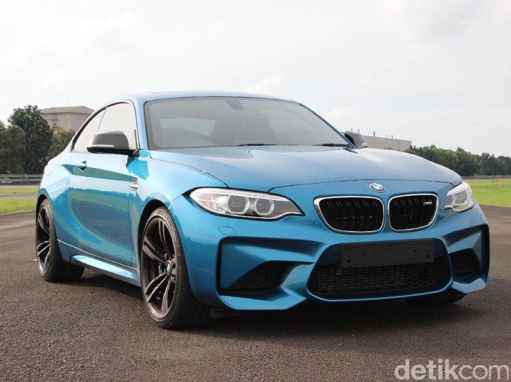 Mana Lebih Ngebut, BMW M2 atau Camaro SS?