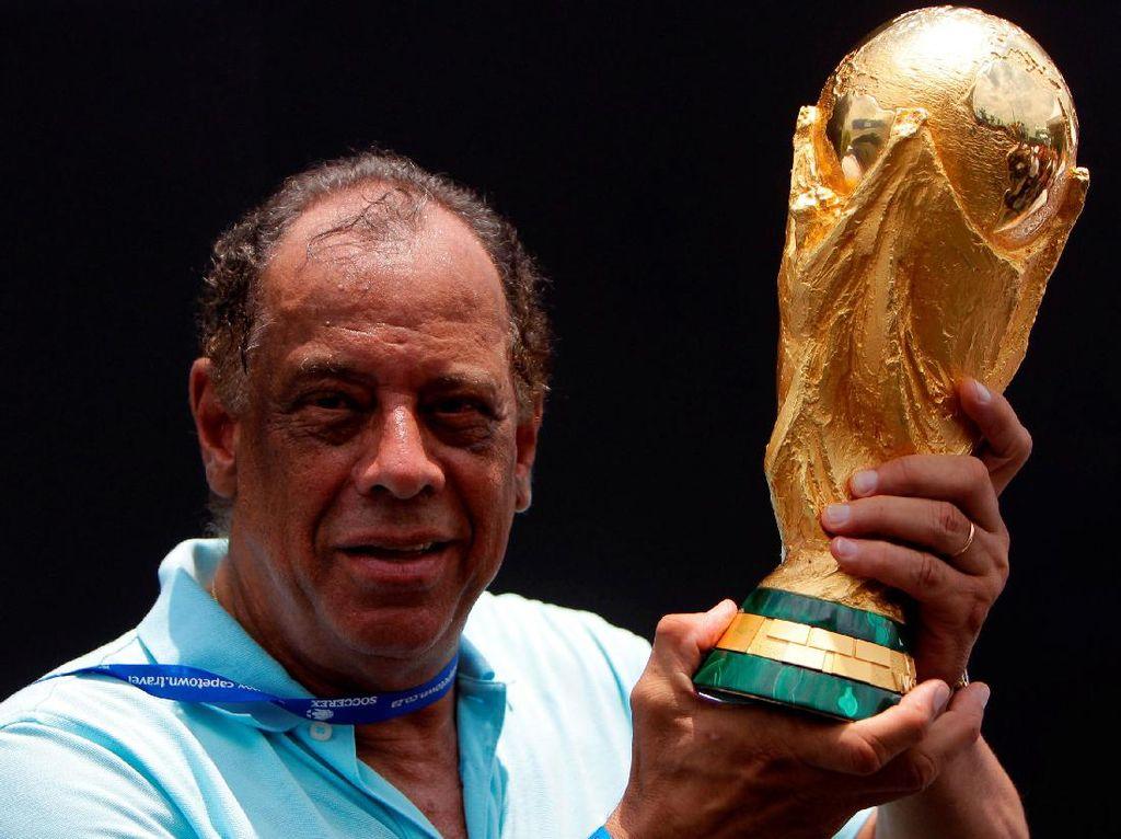 Kapten Tim Brasil 1970 Meninggal Dunia, Pele Sangat Berduka