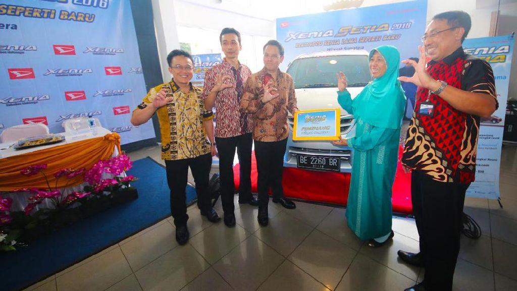 Daihatsu Serahkan Xenia Rekondisi ke Konsumen di Bandar Lampung