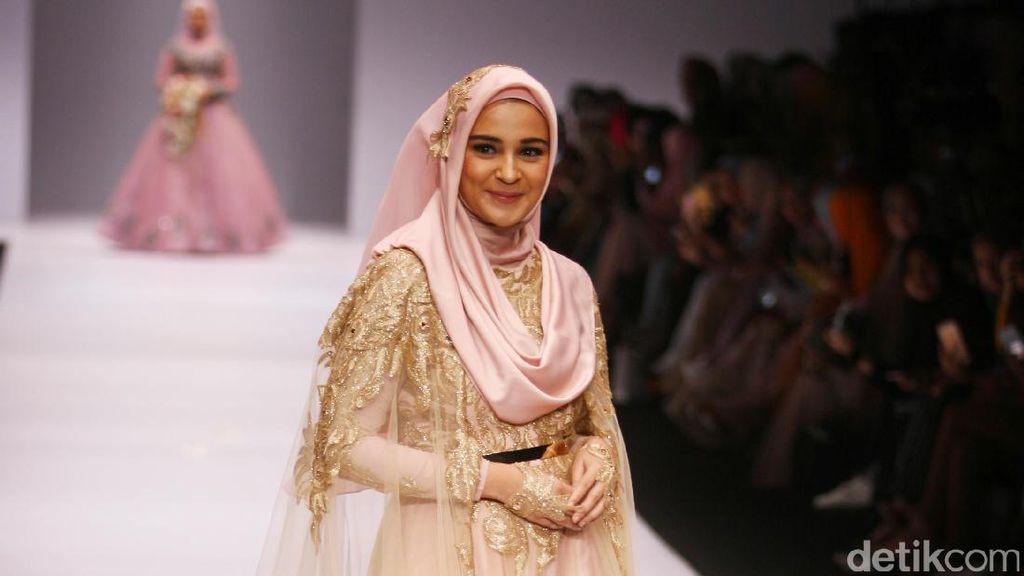 Foto: Cantiknya 6 Selebriti Indonesia Pakai Gaun Pengantin Muslim