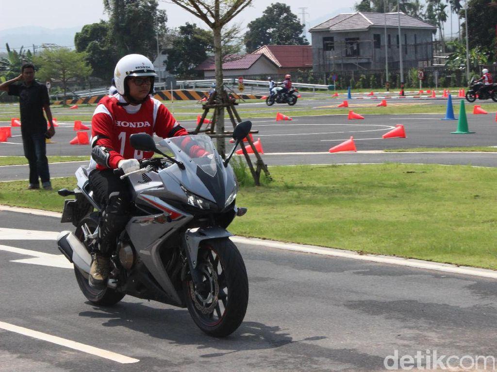 Brumm, Touring Moge Sejauh 650 Km Menuju Malaysia Dimulai