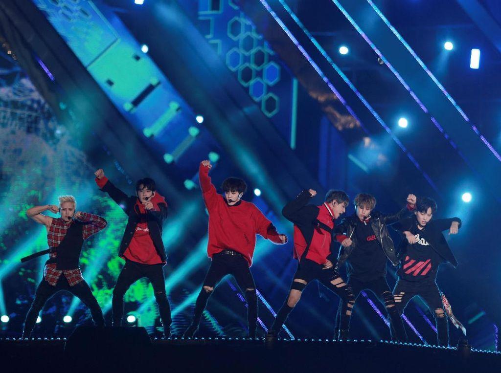 Duh, Fans Ambil Foto Jungkook BTS dan Yugyeom GOT7 Saat di Toilet!