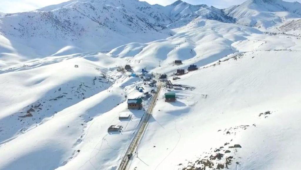 Bukan Swiss, Ini Resor Ski di Kyrgyzstan