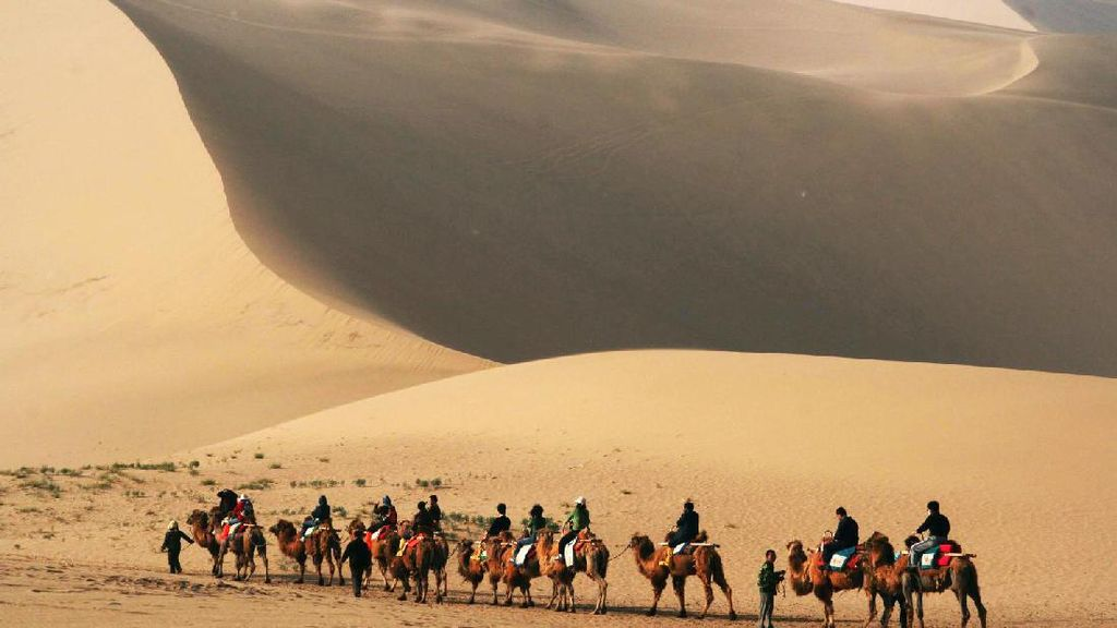 4 Alasan Kenapa Kamu Harus Coba Liburan ke Asia Tengah
