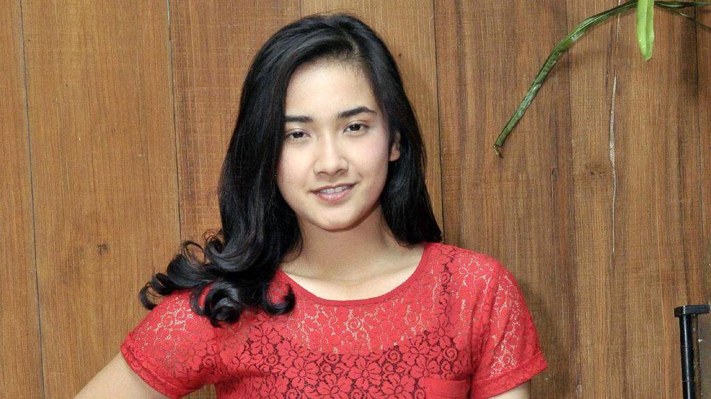Pesona Nadya Arina