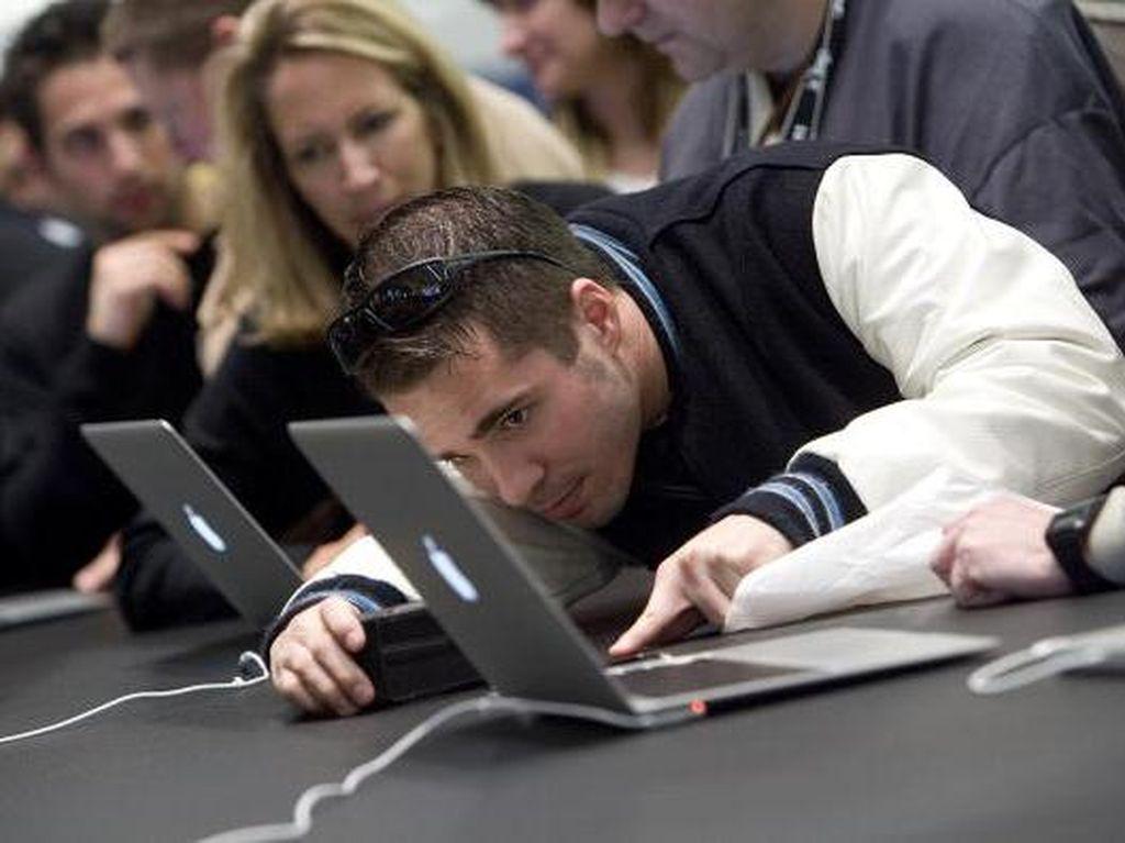 Serangan Hacker yang Bikin Pusing Pengguna Apple