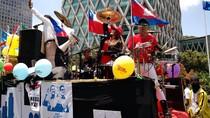 Seru! Rombongan Anies-Sandiaga Dimeriahkan Perkusi dengan Drummer Cewek