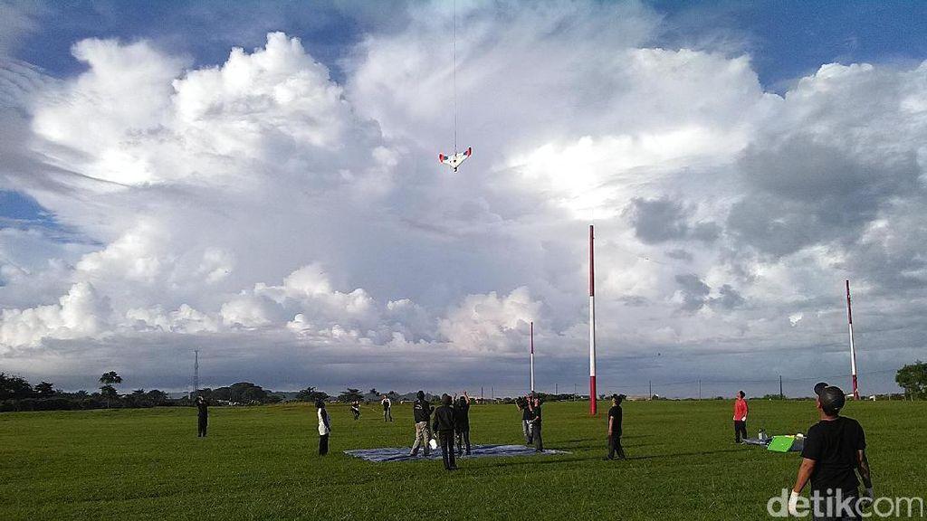 Ekspedisi Menembus Langit: Pesawat Sukses ke Stratosfer tapi Gagal Mendarat