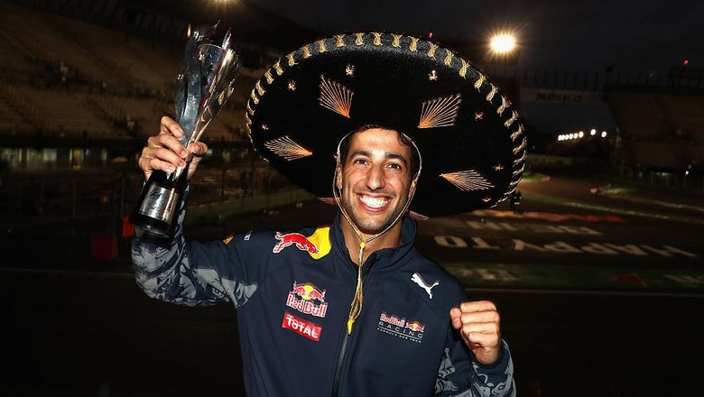 Ricciardo Akan Senang Satu Tim dengan Hamilton