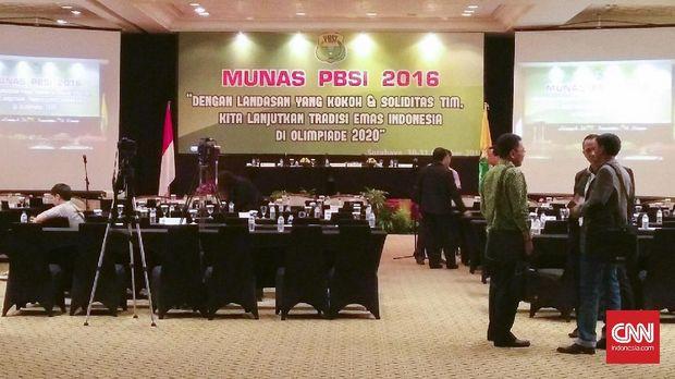 Musyawarah Nasional PBSI di Surabaya, Jawa Timur.
