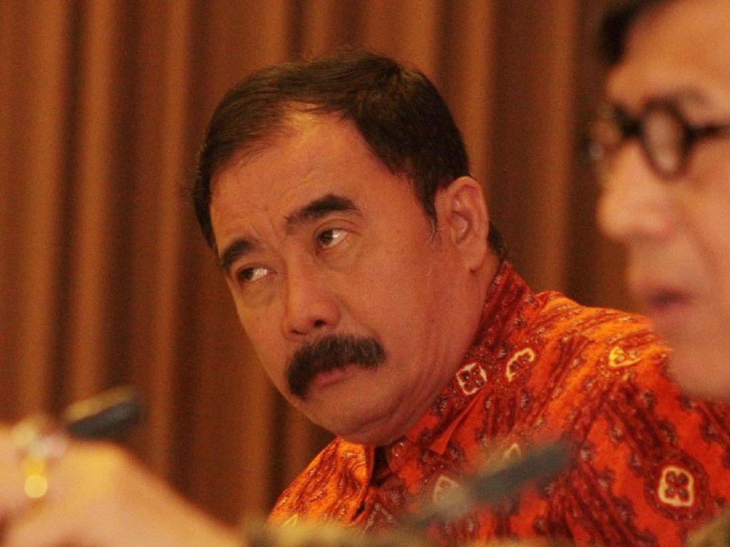Dicopot Jokowi Sejak 6 Mei, Reydonnyzar Moenek Masih Menjabat Sekjen DPD