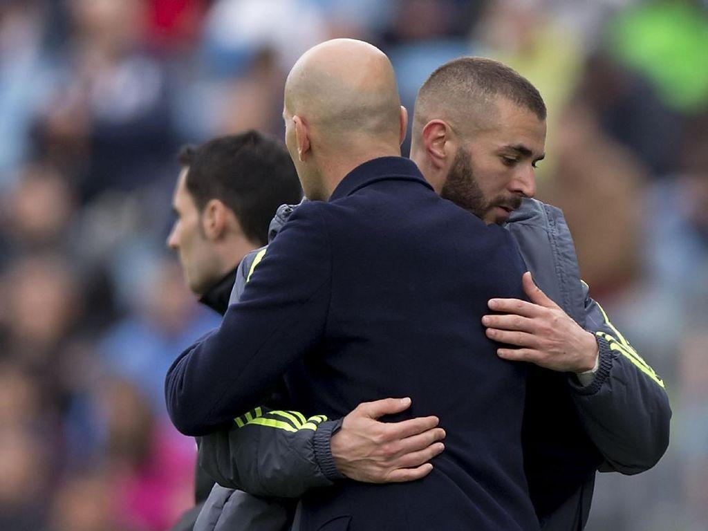 Pesan Emosional Karim Benzema dan Raphael Varane untuk Zidane