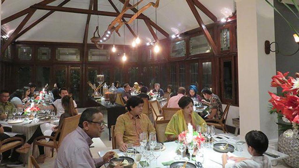 Suguhan Keju dan Jamur Langka dalam Santap Malam 100% Indonesia