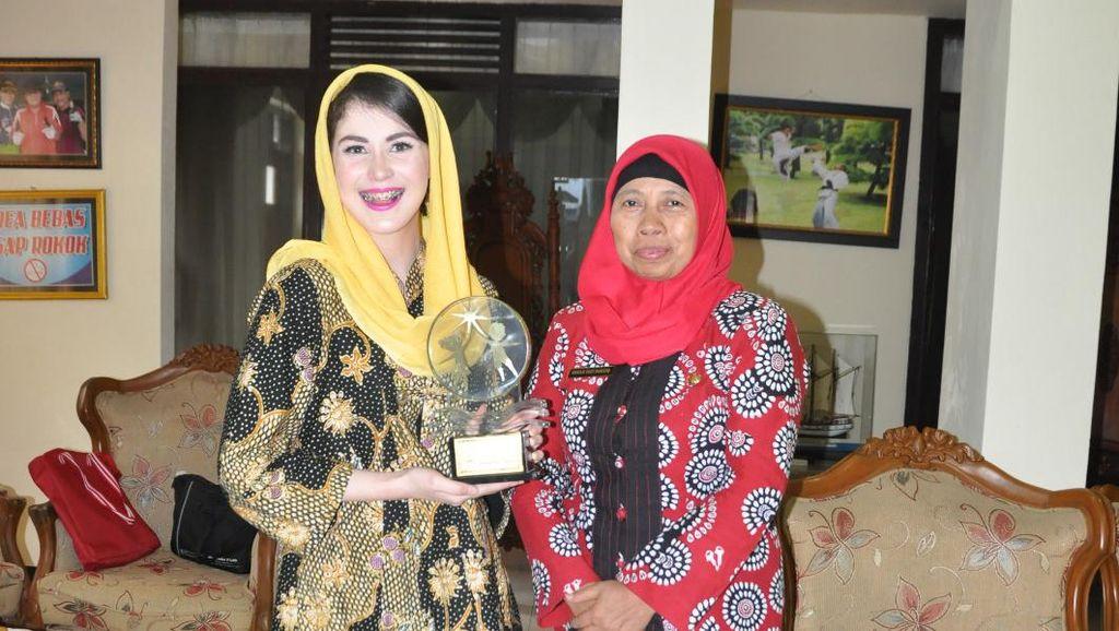 Wow, Batik Trenggalek Dipakai Miss Universe di Acara World Peace Festival