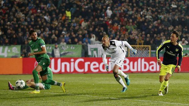Ludogorets vs Arsenal 2-2 Saat <I>Half Time</I>