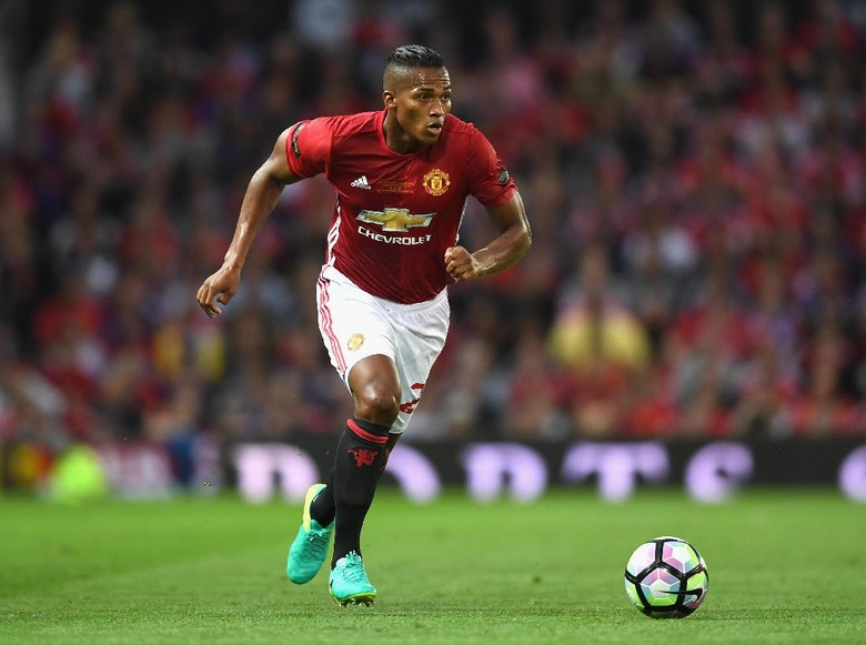 Darmian Diandalkan Mourinho Saat Valencia Mengalami Cedera