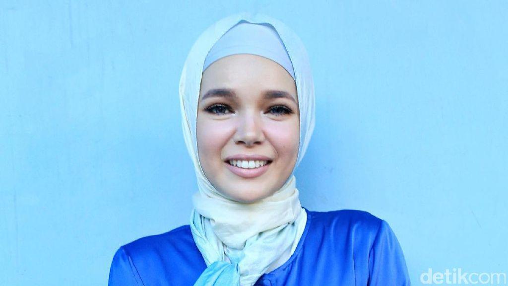 Jelang Umrah, Ini Persiapan yang Dilakukan Dewi Sandra