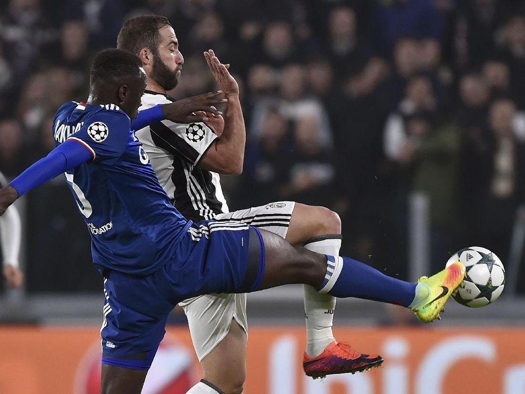 Juventus Diimbangi Lyon 1-1