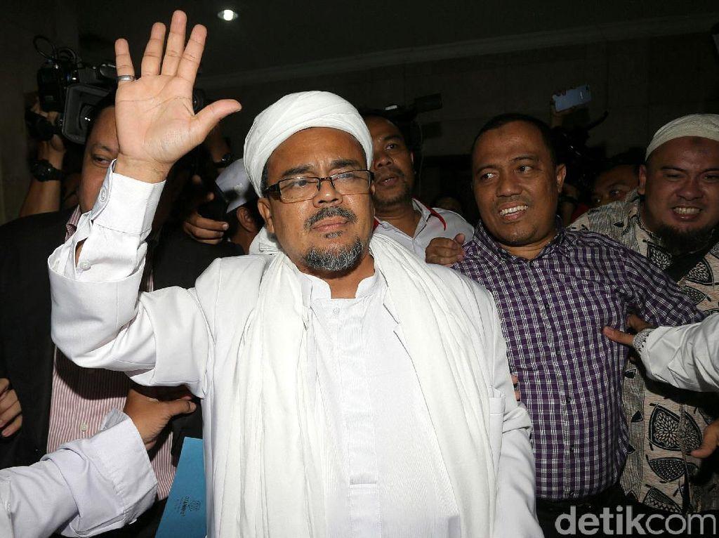 Habib Rizieq Beri Keterangan Kasus Ahok