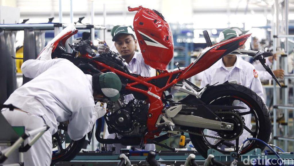 Melihat Produksi Motor Sport Honda di Karawang