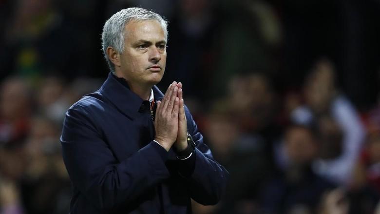 Jose Mourinho Mendapatkan Sanksi