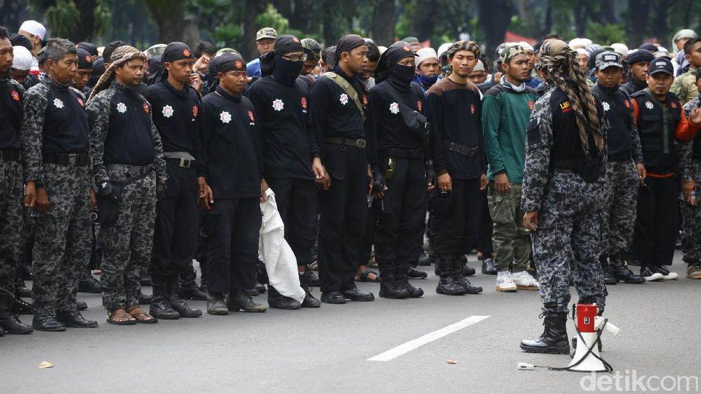Laskar Mujahidin Rapatkan Barisan di Istana