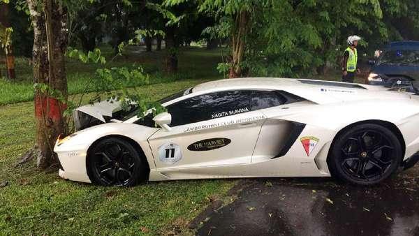 Ini Penampakan Lamborghini Raffi Ahmad Yang Ringsek
