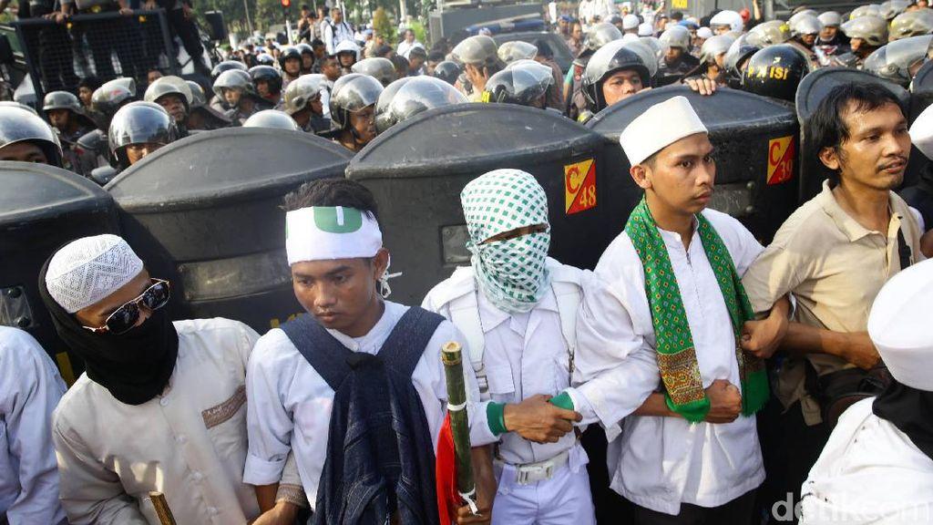 Hindari Aksi 2 Desember, Pengusaha Pergi ke Bali dan Singapura