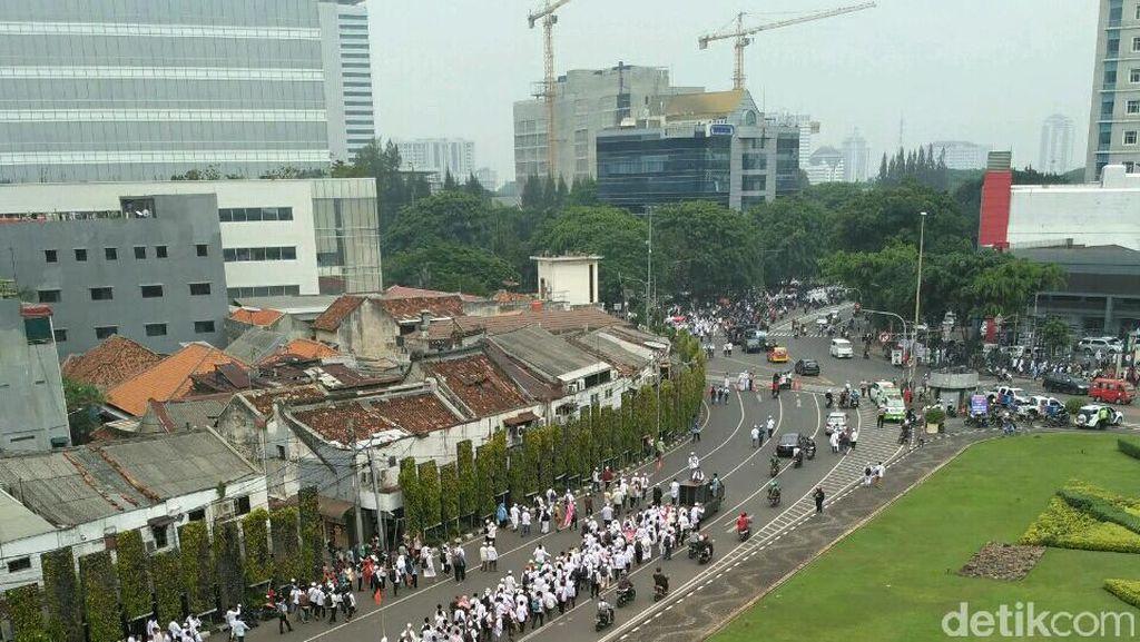 Telkomsel Bantah Matikan Jaringan di Lokasi Demo