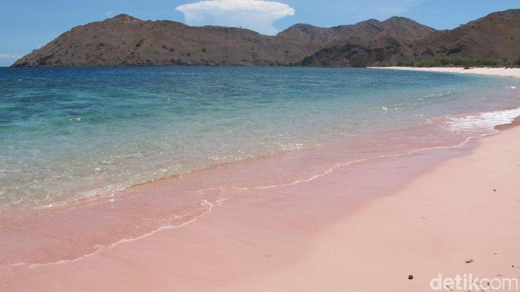 Yakin Tidak Tergoda dengan Pantai Pink Ini?