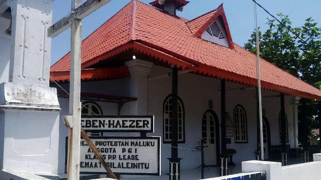 Penampakan Gereja Berusia 300 Tahun di Nusalaut, Ambon