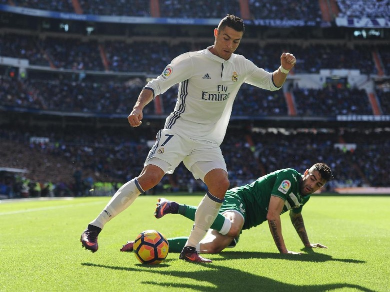 Zidane Membela Ronaldo Atas Inkonsistennya