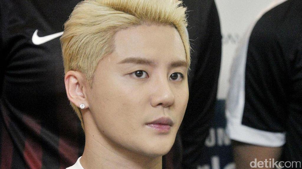 Ini Alasan Pria Korea Selatan Gemar Pakai Makeup