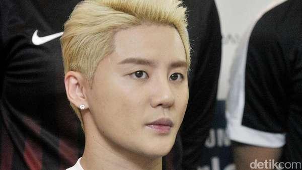 Wajah Tegang Junsu JYJ hingga Yoon Dojoon BEAST Sebelum Pertandingan