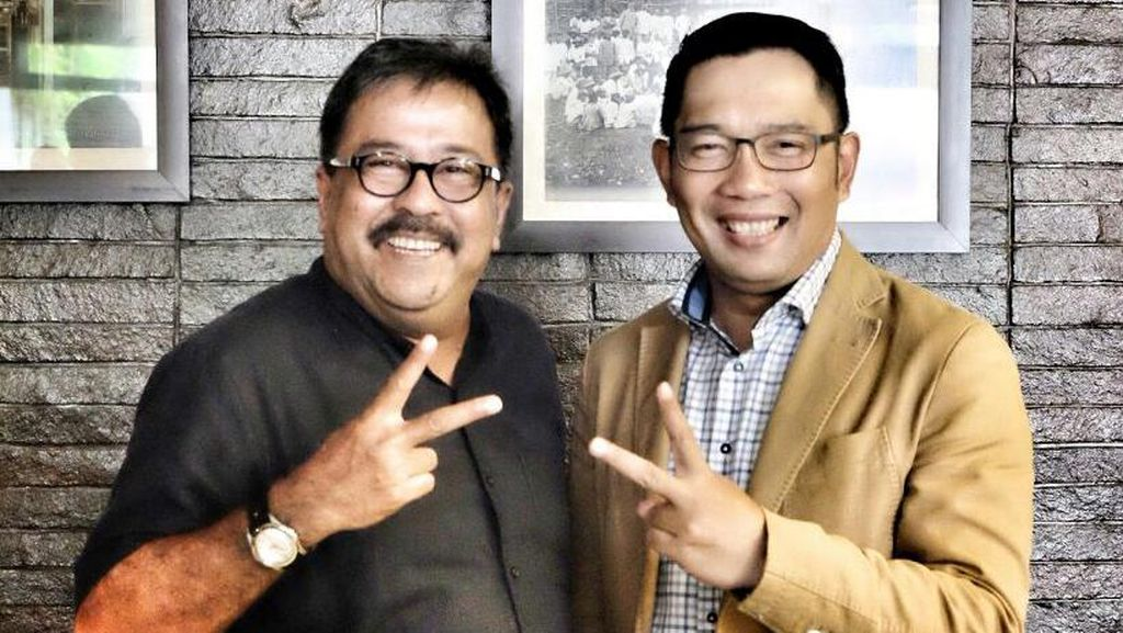 Senyum Sumringah Rano Karno dan Ridwan Kamil