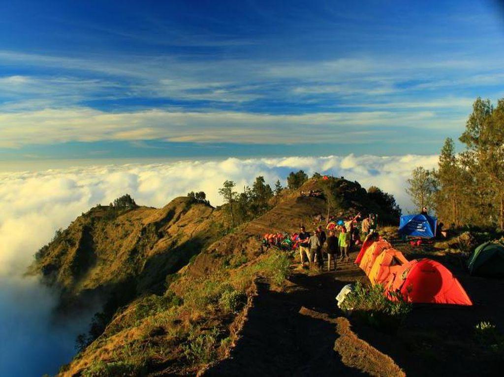 Pendakian Gunung Rinjani Perlu Perhatikan Kearifan Lokal