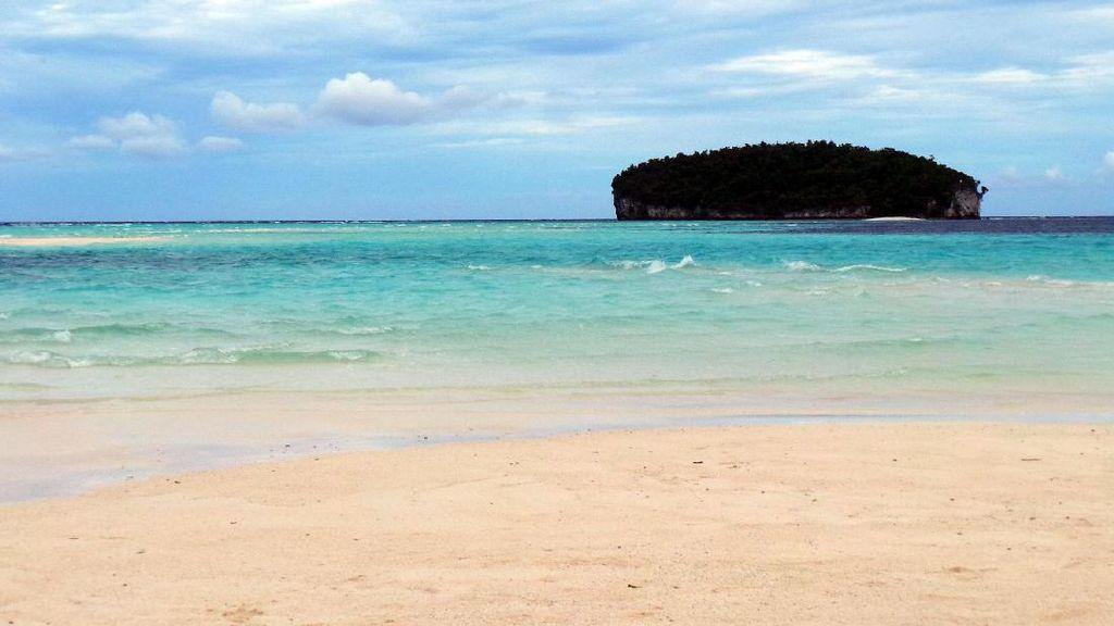 Foto-foto Ajaibnya Pasir Timbul di Raja Ampat