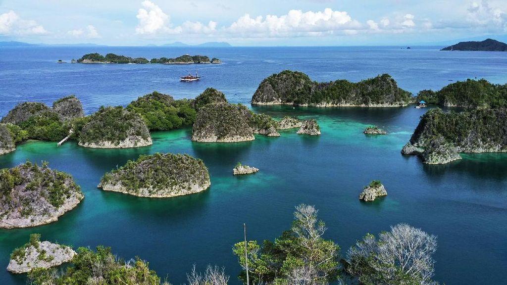 Gugusan Pulau di Raja Ampat yang Disebut Surga oleh Jokowi