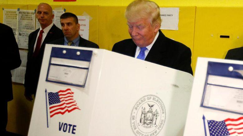 Usai Memilih Di New York, Trump: Kita Lihat Apa Yang Terjadi