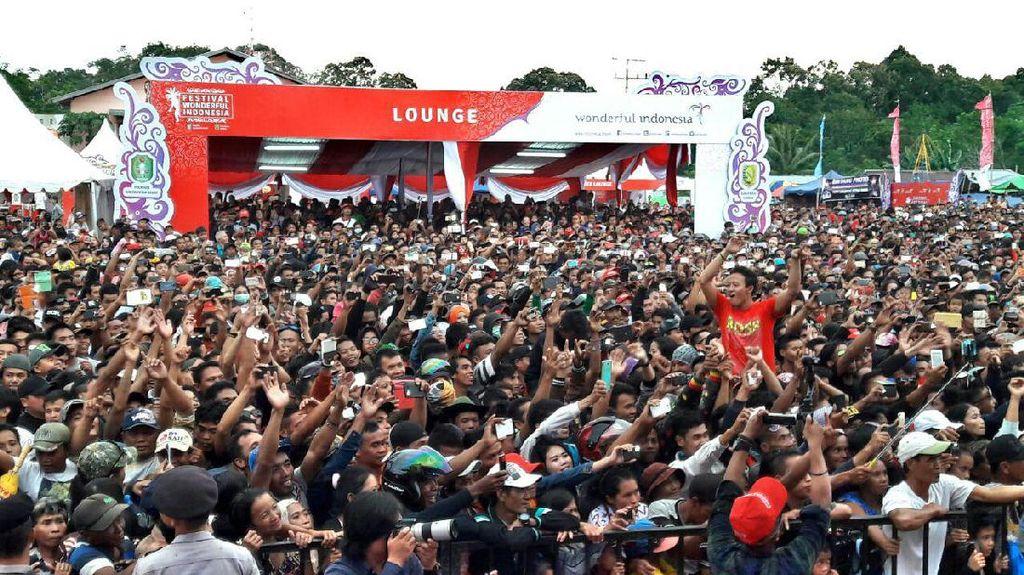 Dihibur Siti Badriah, Festival Border Aruk Datangkan 6 Ribu Wisman