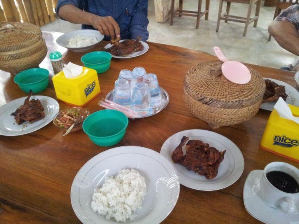 Nyam! Saatnya Coba Kuliner Ayam Taliwang Bila Liburan ke Lombok