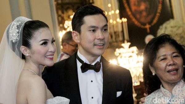 Lovey Dovey! Bahagianya Sandra Dewi dan Harvey Moeis