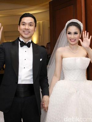Terima Kasih pada Suami, Sandra Dewi <i>So Sweet</i> Banget!