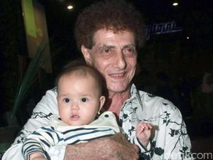 Cerita Bahagia Ahmad Albar Dapatkan Bidadari Cantik di Usia 71 Tahun