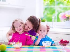 Berikan 6 Makanan Ini Secara Rutin agar Si Kecil Sehat dan Pintar
