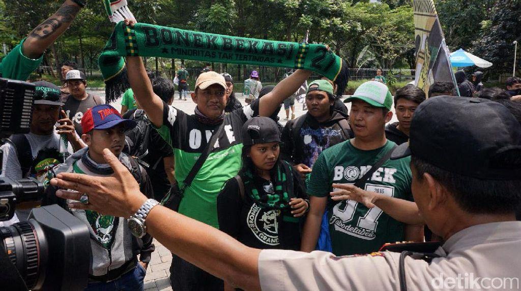 Polisi Larang Bonek Datang ke Lokasi Kongres PSSI di Bandung
