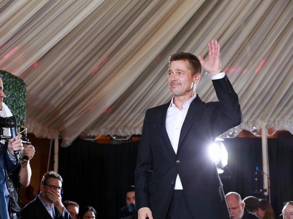 Dua Tahun Pisah dengan Angelina Jolie, Brad Pitt Kini Lebih Bahagia